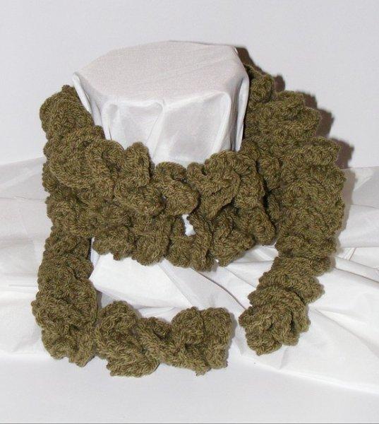 Green spiral scarf
