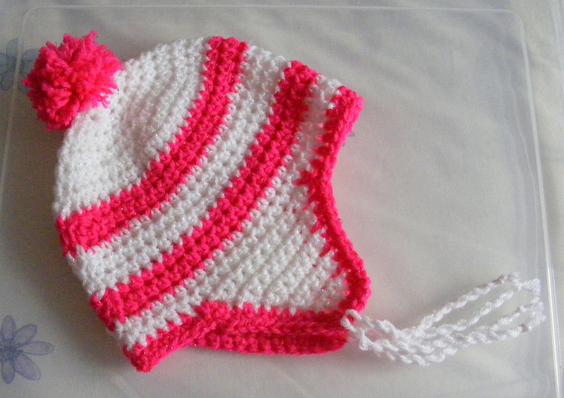 Child's white/pink twinkle hat