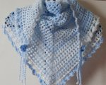 Blue/white triangular scarf